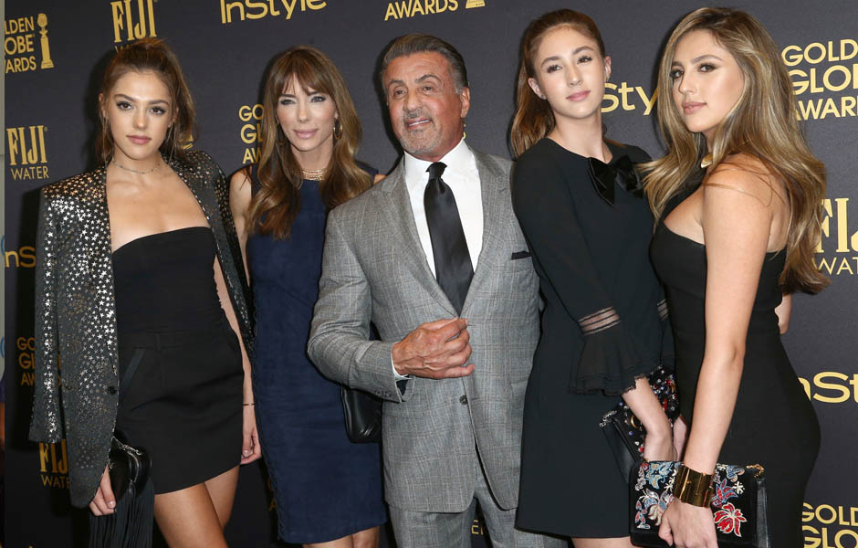 Slyvester Stallone Poses With His Daughters For A Super ...