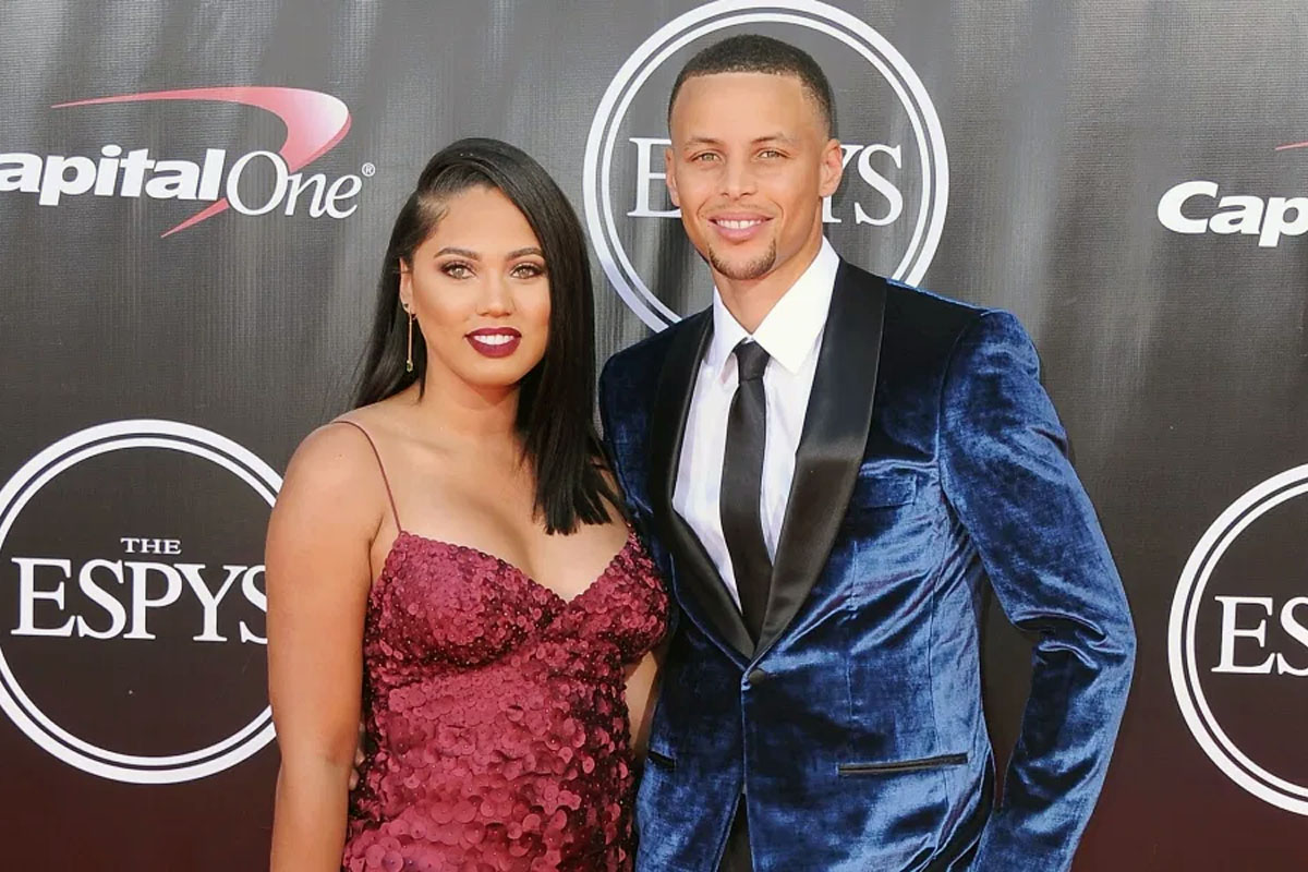 Steph Curry S Wife Ayesha Shares Post Workout Gym Photo With Instagram Followers From The Stage